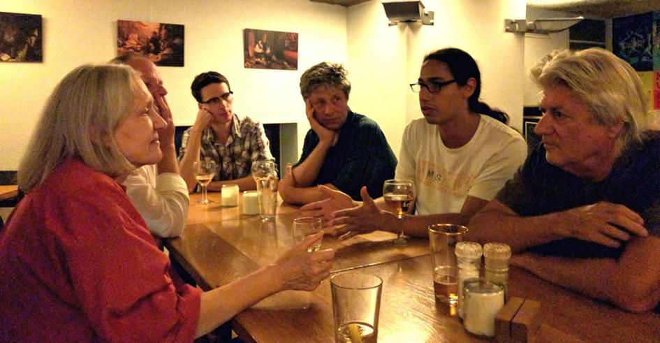 Miembros del DSC Ámsterdam reunidos con Saskia Sassen.